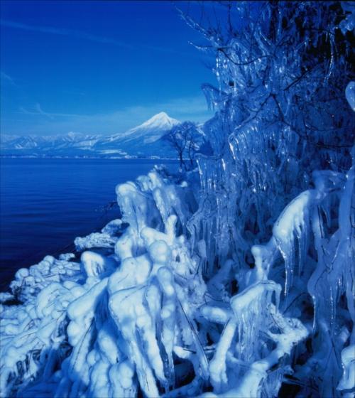 「幽氷の湖畔」第6回猪苗代湖・裏磐梯湖沼フォトコンテスト入賞作品